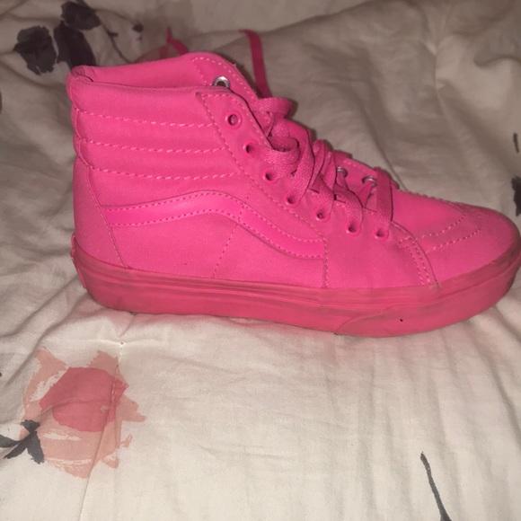 48ec7fb0c98b73 Hot pink high top vans. M 5a69538b3b1608e755efb245